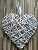 Ratanové srdce s perleľovou ozdobou ,