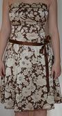 Saténové šaty, M