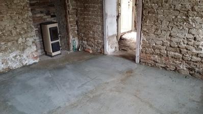 v prvej izbe hotová podlaha