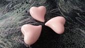 Keramická růžová srdce,