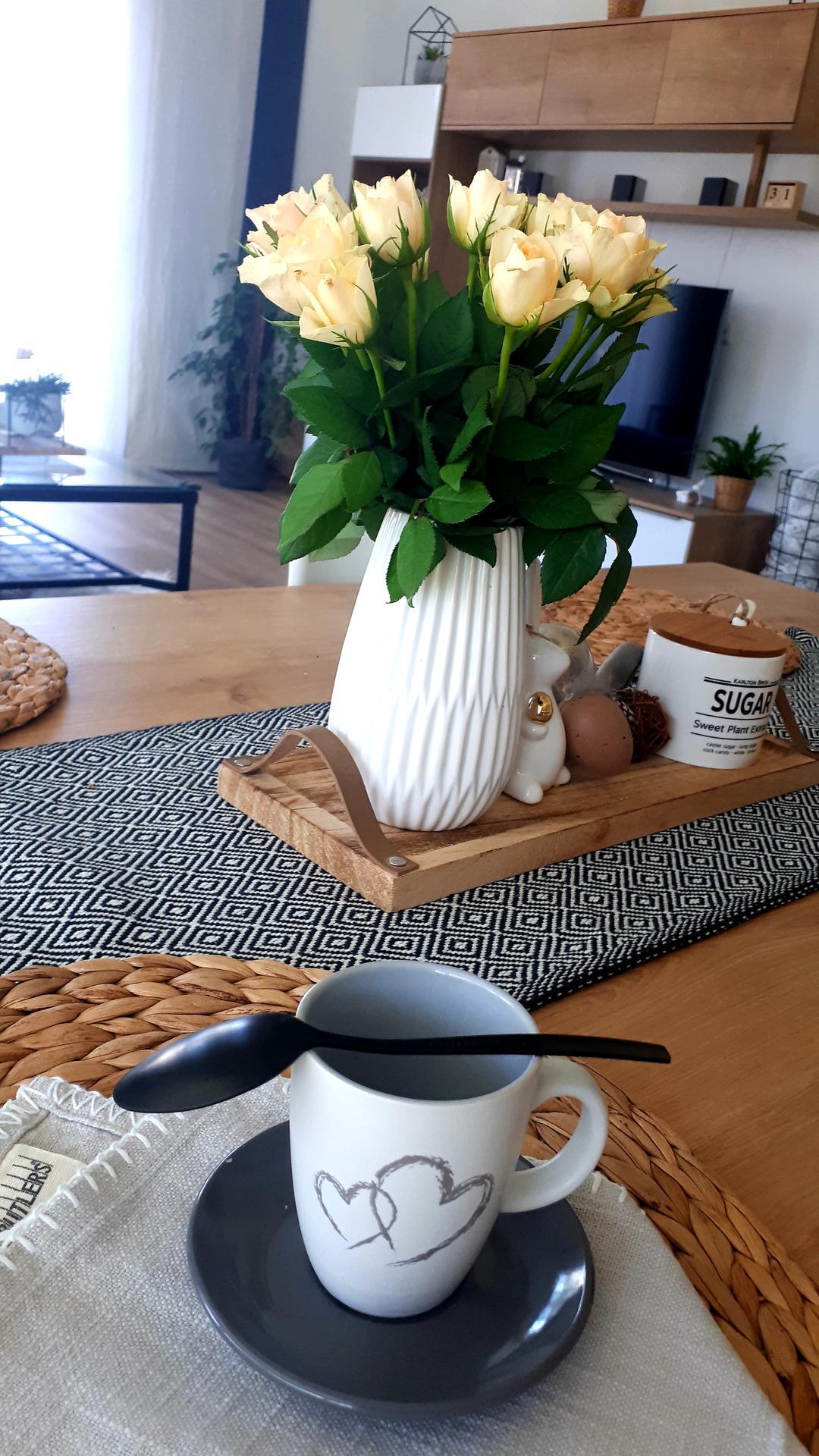 U nás 2021... aneb DOMA s láskou ❤ - Karanténa 🙄... den osmý... počasí zas na houby 🌧... ještě, že mám dost kafe!