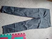 Šedé kalhoty, 42