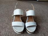 Klínkové sandále, 38
