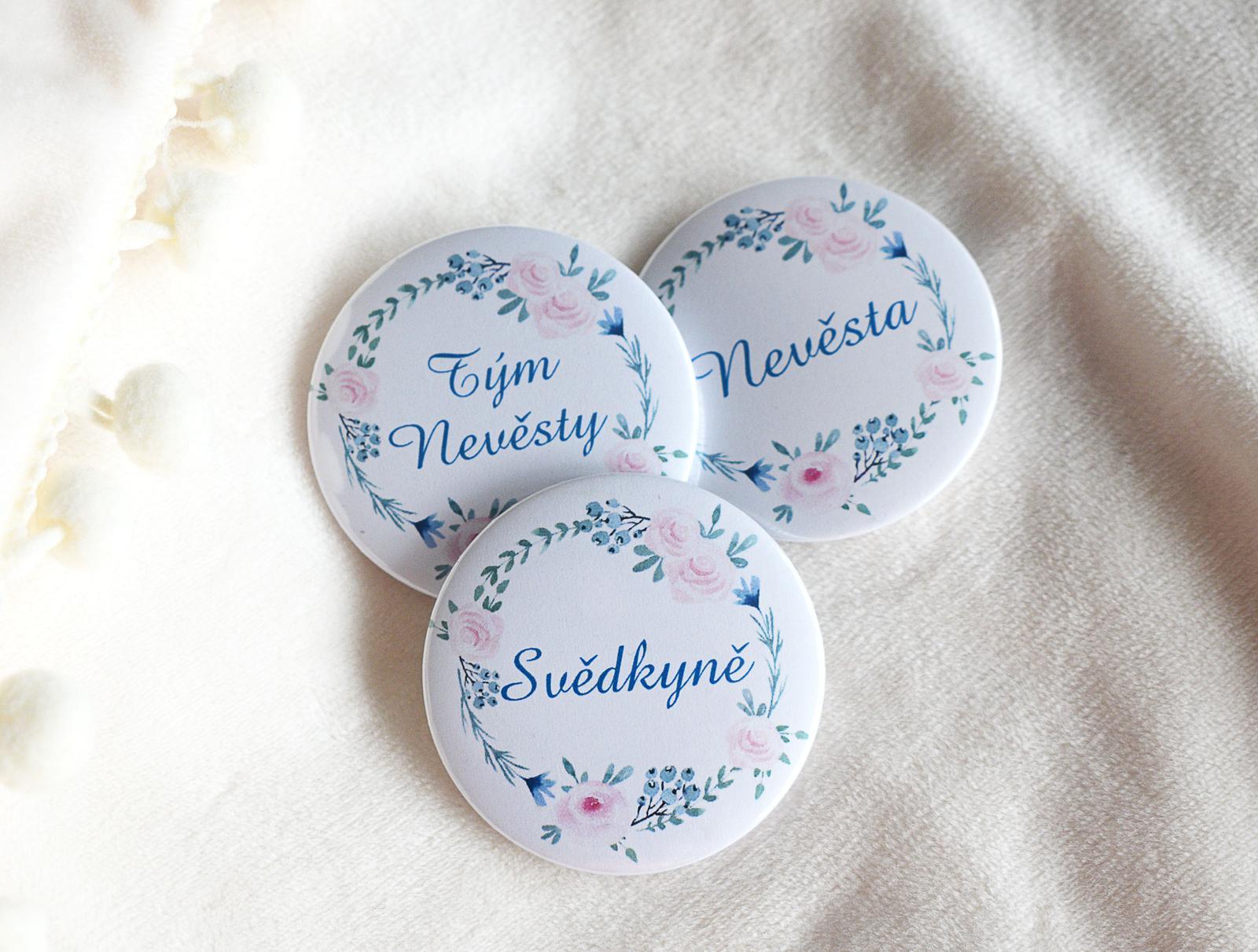 erika_rekniano - buttonky / placky 44mm pro nevěstu a její tým