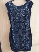Krátké černé šaty s ornamenty vel. , 36