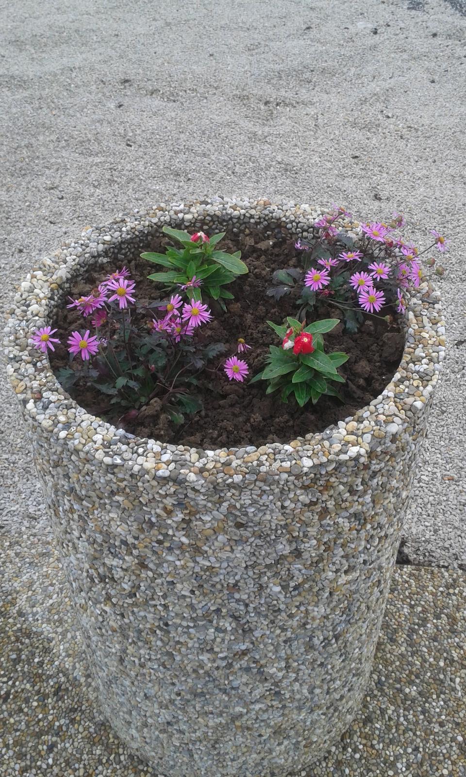 vymyvané kvetináče - Obrázok č. 3