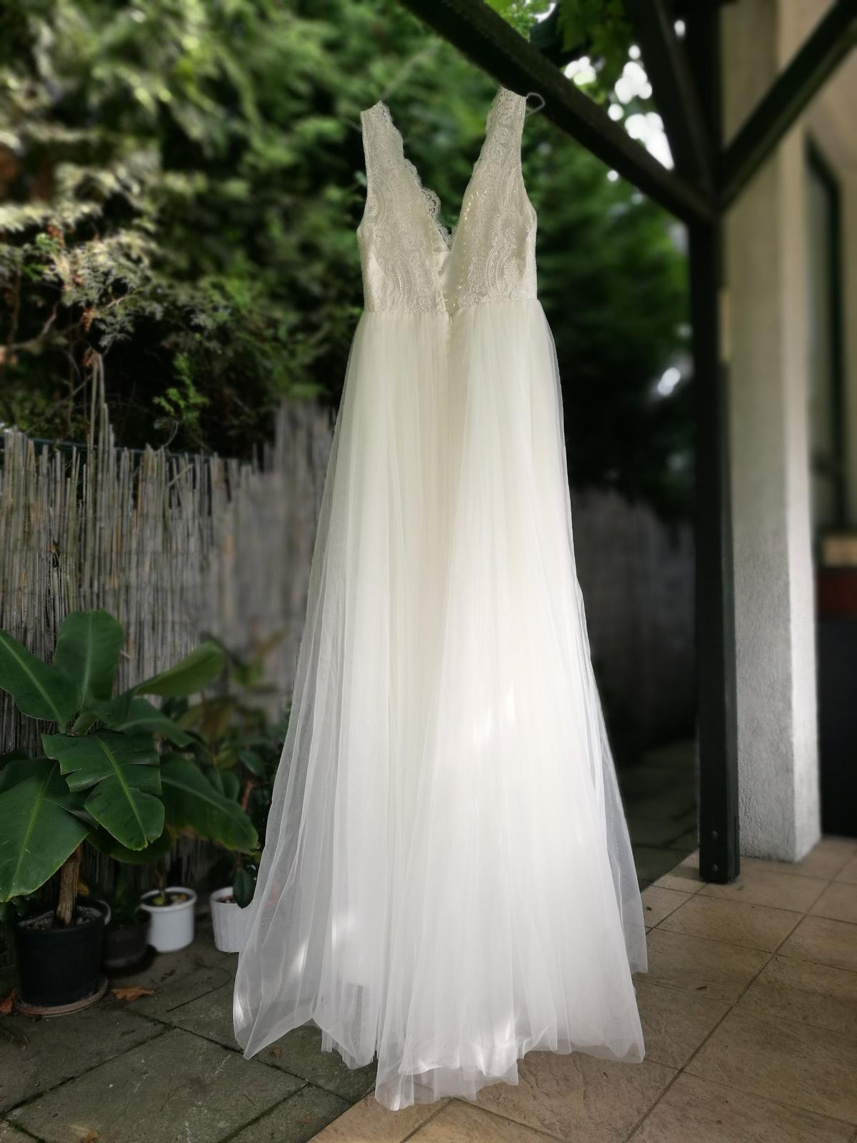 Krajkové svatební šaty s tylovou sukní vel.36 - Obrázek č. 2