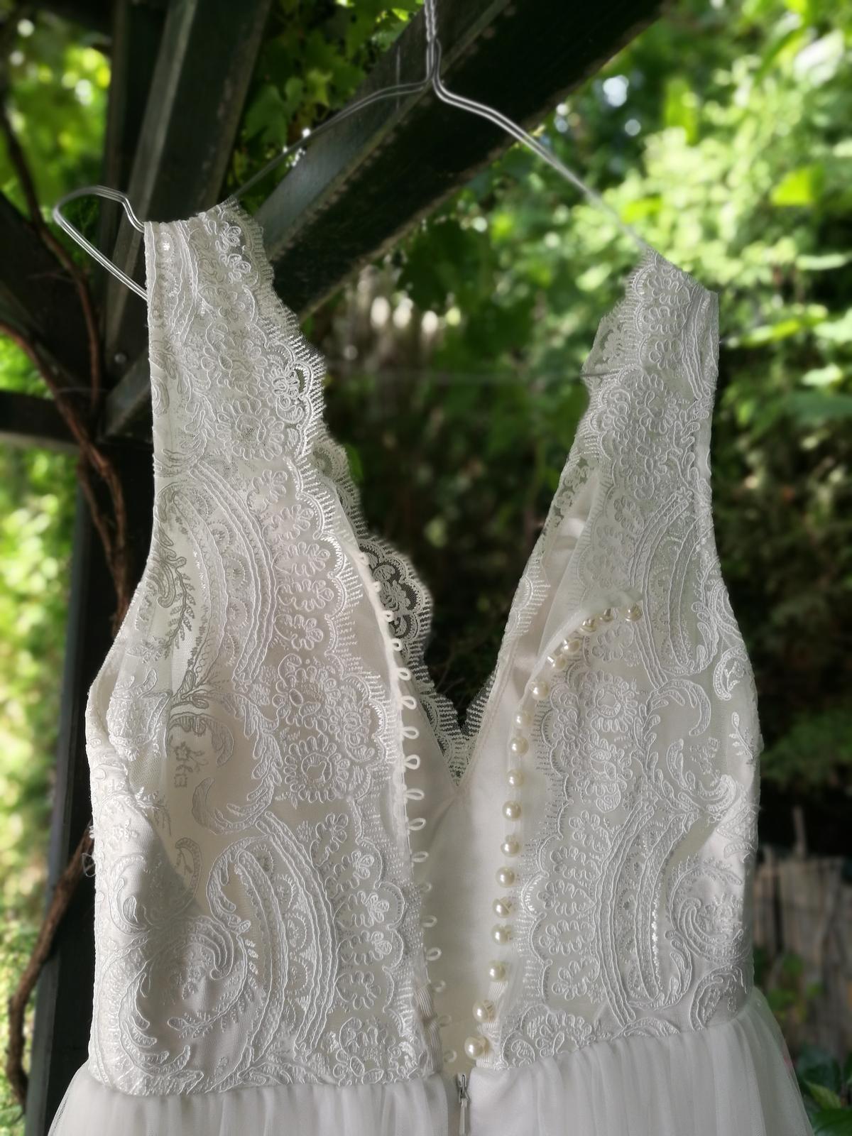 Krajkové svatební šaty s tylovou sukní vel.36 - Obrázek č. 4