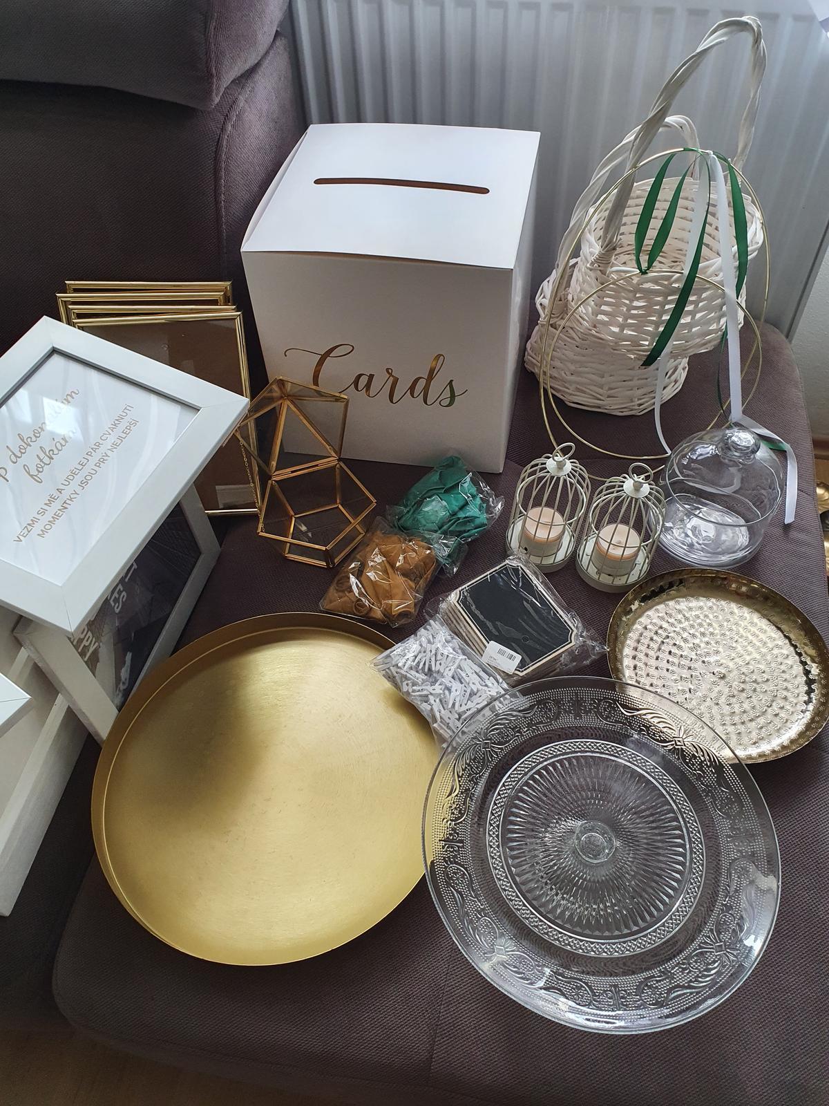 bilo - zeleno -zlate svatebni dekorace a doplňky - Obrázek č. 1