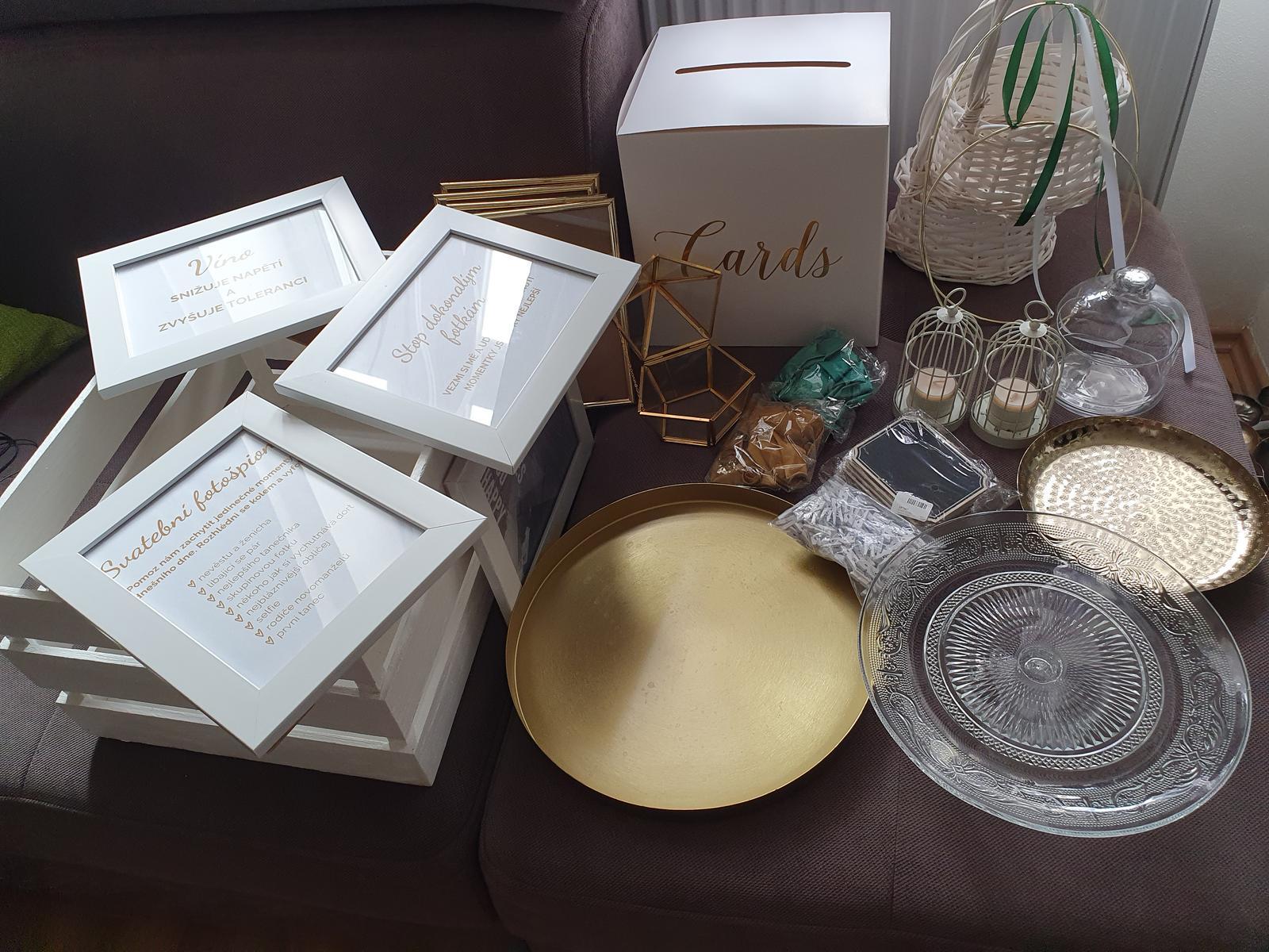 bilo - zeleno -zlate svatebni dekorace a doplňky - Obrázek č. 2