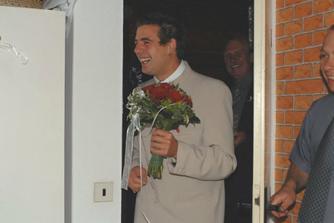 ..a už přijel ženich...