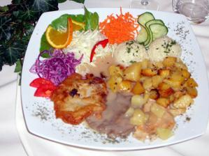 svadobné menu...............dali nam krásne taniere :-)