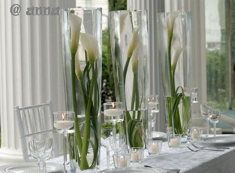 Moje prípravy - toto bude na stoloch... vázičky s kalami a tulipánmi