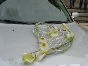 krásna výzdoba na auto