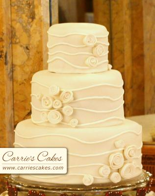 Lienocka a Petrík - svadobna torticka c.2...este sa rozhodneme
