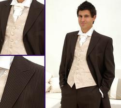 chci pro ženicha hnědý nebo béžový oblek
