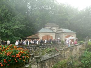 svatebčané v mlze