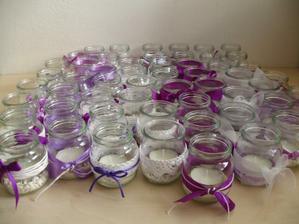 Moje víkendové výtvory - zatím pouze svícínky, budou nasledovat 'vázy' na květiny (moc děkuju Markétě za inspiraci!)