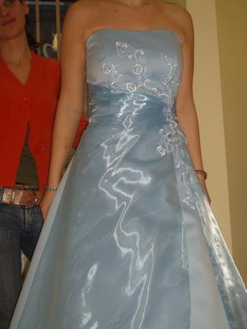 Petra a Marek - Modré šaty som mala mat ako polnocné, ale nakoniec som ich vymenila za cervené.