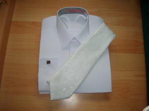 Košeľa s kravatou pre môjho miláčka.