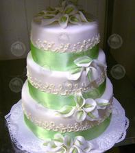náš dort, akorát bude do bordo barvy