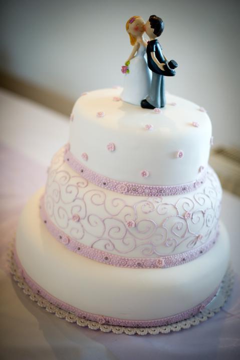 Vybráno - Tento dortík bude! Trošku fialovější ozdoby.
