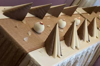 reálná varianta svatební tabule