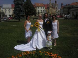 s manžílkem a sestřičkama :-)