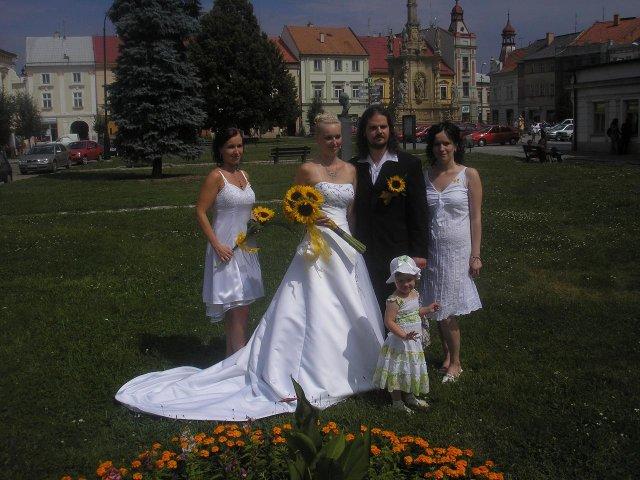 Michaela Janků{{_AND_}}Ladislav Kozel - s manžílkem a sestřičkama :-)