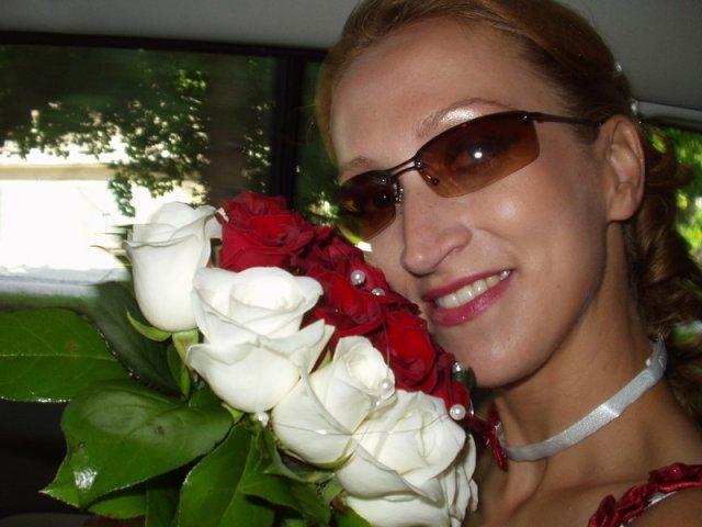 Zuzana Košťálová{{_AND_}}Ivan Sivčák - holywoodske foto v aute