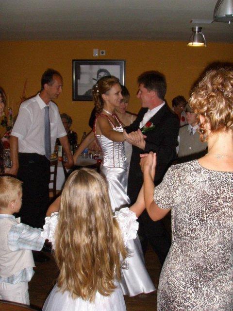 Zuzana Košťálová{{_AND_}}Ivan Sivčák - prvý manželský tanec - God Bless This Couple ...