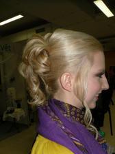 účes na modelce z výstavy Nevěsta 2010