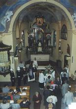 Tak v tomto malinkém kostelíku se to všechno odehraje! :-))