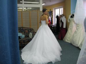 A tohle jsou šaty, které se mi moc líbily, ale nebylo to ono!