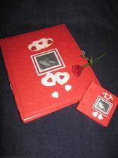 A za tohle krásné album děkuji Visnery! Já si k němu jen dokoupila deníček a propisku ve tvaru růže! ;-)
