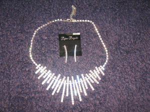 mozna neco podobneho=perhaps similar jewellery