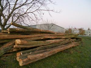 menšia kopka dreva do krbu... :-)