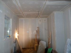hotový strop v kuchyni
