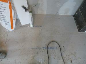 tady budou krb.kamna-je tam pod tím 8 ks ytongu-vyztužení
