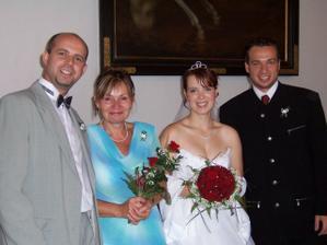 S mamkou a bratry Honzou (vlevo) a Martinem.