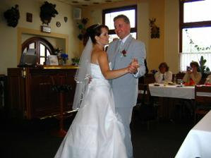 Náš první manželský taneček.