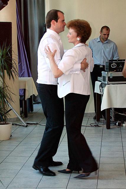 Žany Bendíková{{_AND_}}Mirko Jakubík - prvý tanec s maminou