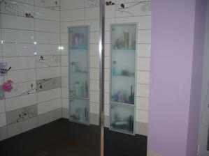 skrinky v sprch.kúte