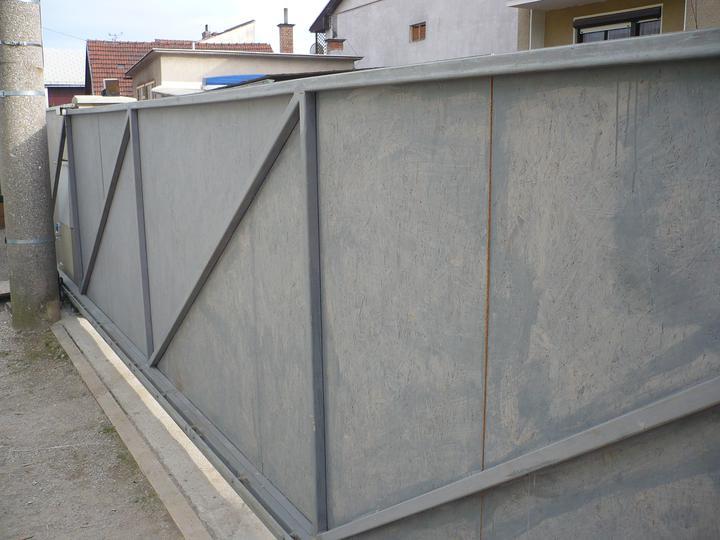ZÁHRADA - posúvna brána z vnútra