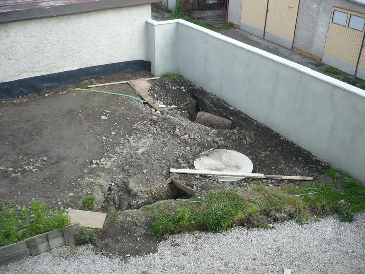 ZÁHRADA - ČOV zakopaná