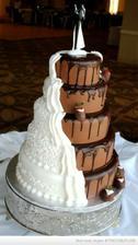 A když se se ženichem nemůžete dohodnout,jaký ten dort vlastně bude :)