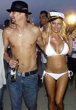 Pamela Anderson a Kid Rock (2006)