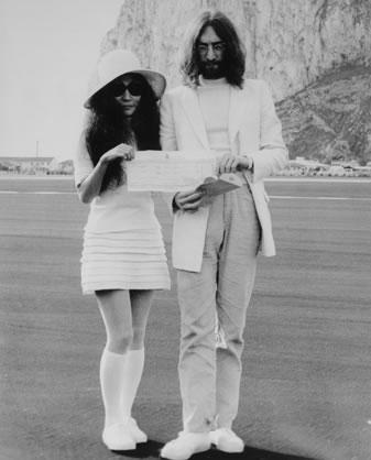 Svatby celebrit - John Lennon a Yoko Ono (1969)