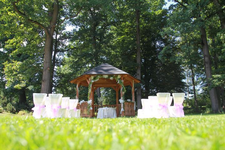 Místa pro svatbu - Penzion Zámek Lešany