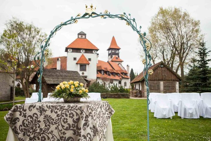 Místa pro svatbu - Hrad Červený újezd